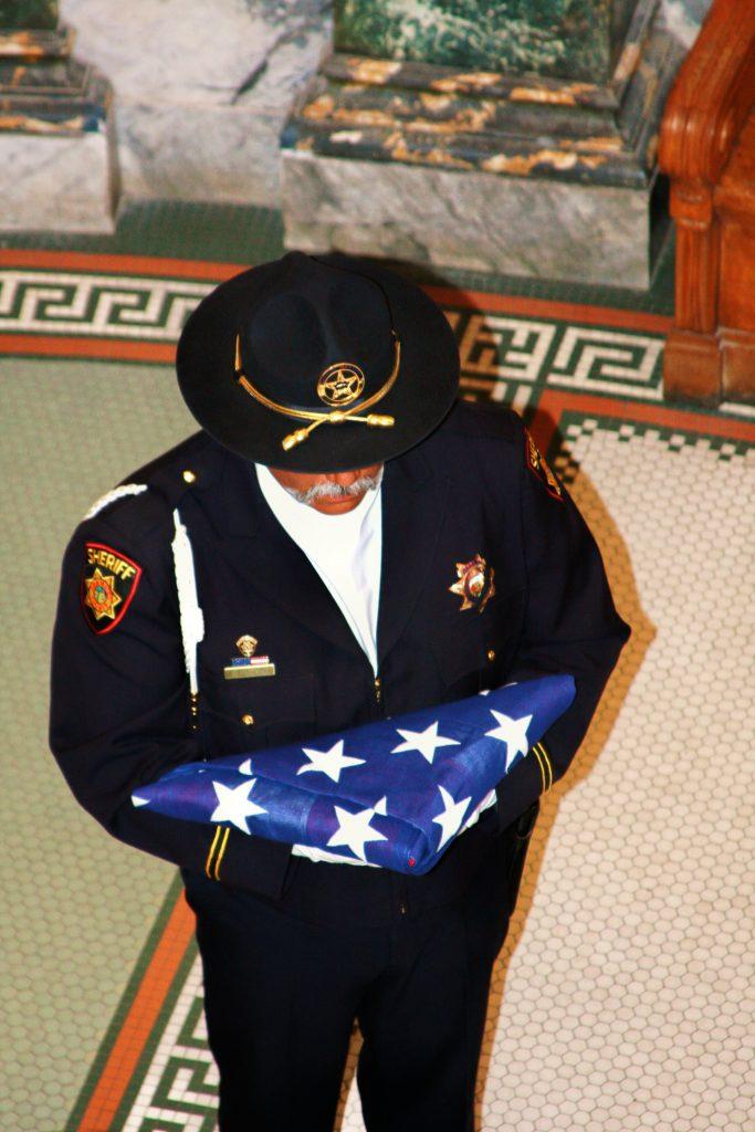 flag fold